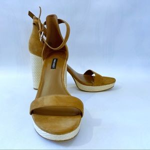 Nine West Dempsey Platform Sandal **LIKE NEW**